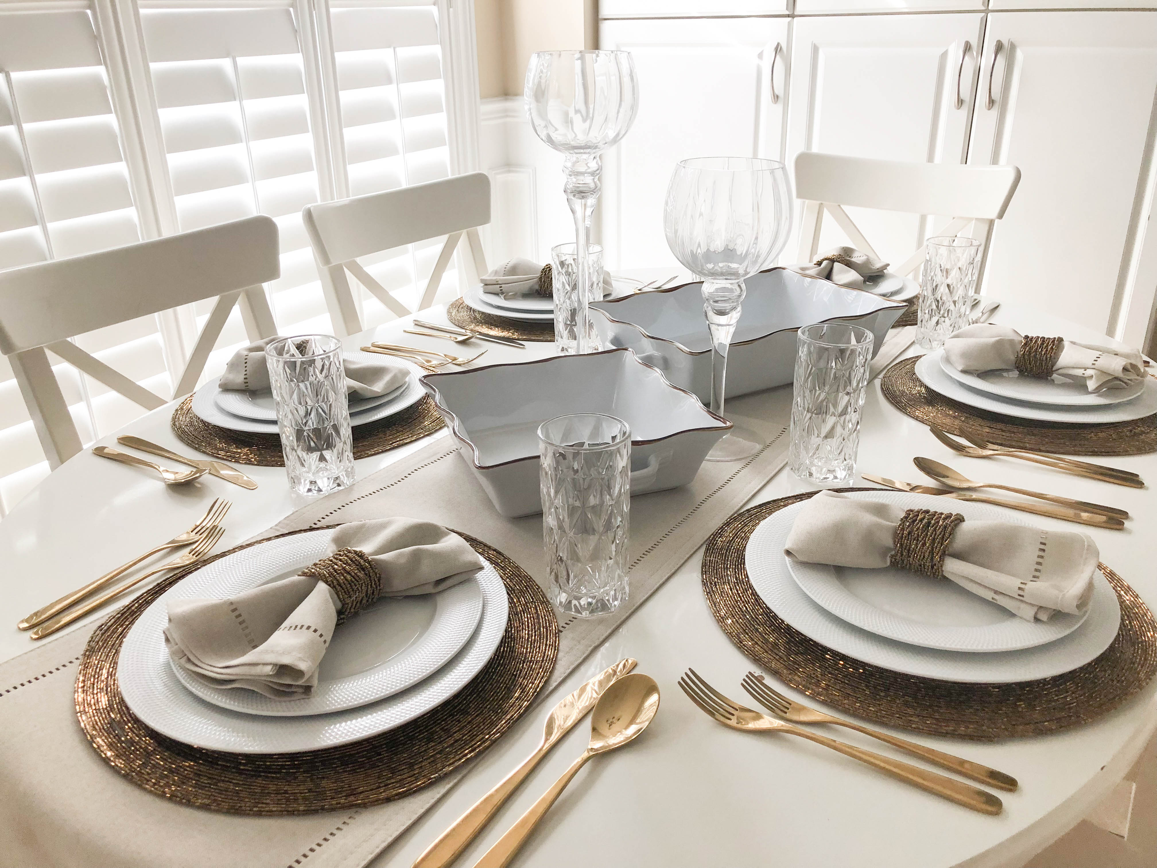 Thanksgiving Table Decorating Ideas- Livin' Life with Style