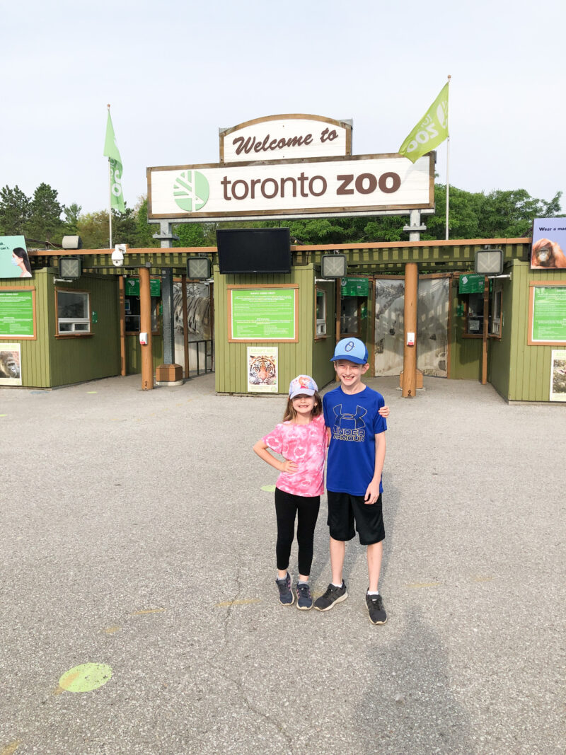 Visit to the Toronto Zoo on Livin' Life with Style